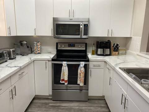 Kitchen countertop, white with gray veins