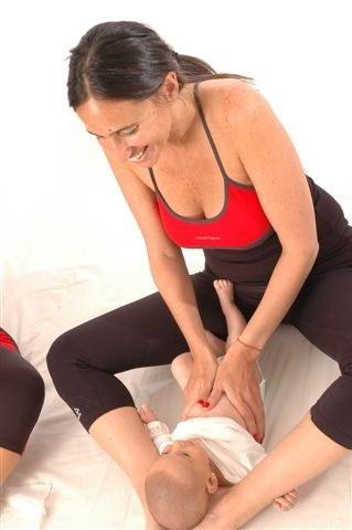 masaje-shantala-para-el-pecho-del-bebc3a