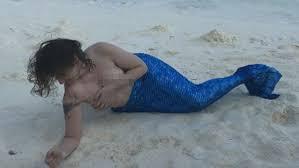 Topless Lena Dunham Causes Man to Vomit