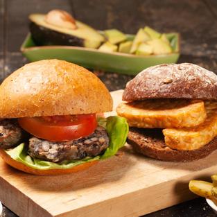 Crunchy tempeh burgers