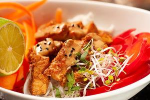 Peanut crispy tempeh salad 9.JPG