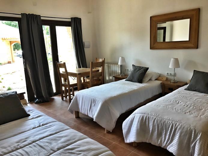 suitebedroomtriple2.jpg