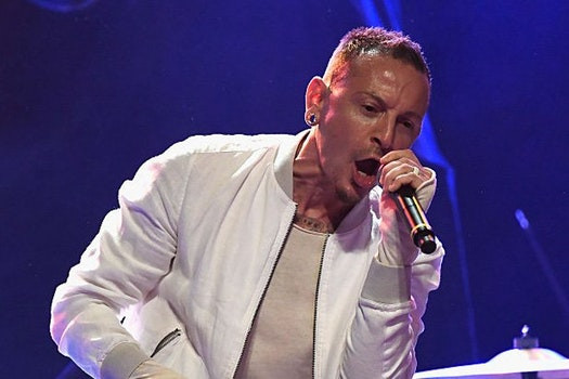 Linkin Park singer Chester Bennington tragically takes his own life | LEGEND - https://goo.gl/obSizC #ChesterBennington #BREAKING