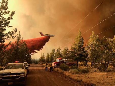 Oregon wildfire buns over 200,000 acres