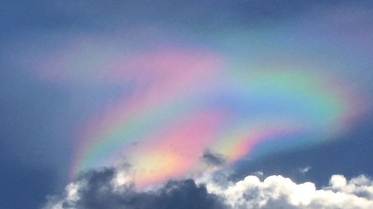 Fire Rainbow Hits Singapore | Singapore News