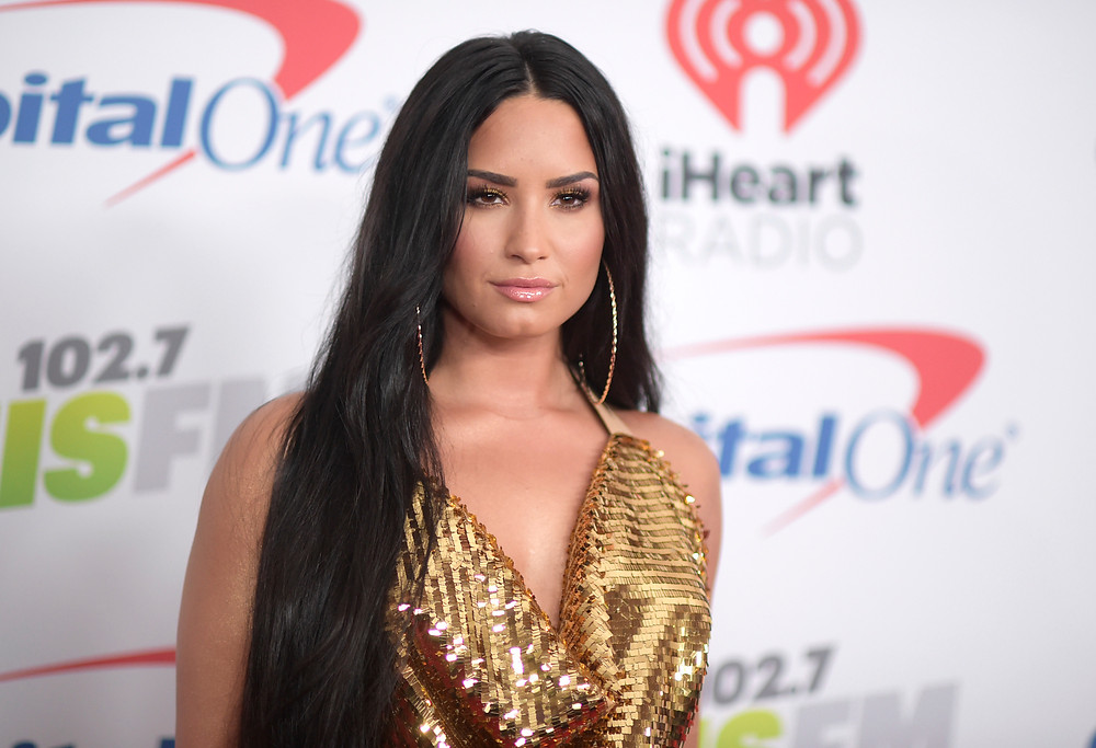 Demi Lovato celebrates 6 years sober at show with DJ Khaled