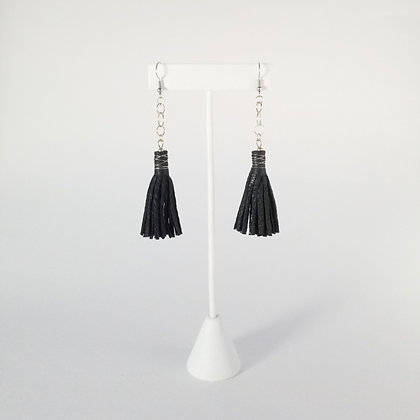 Short Earrings with Chain