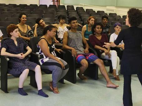 Projeto usa teatro como forma de ressocialização em unidades de internação