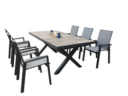 NUR Dining Tabel Chairs