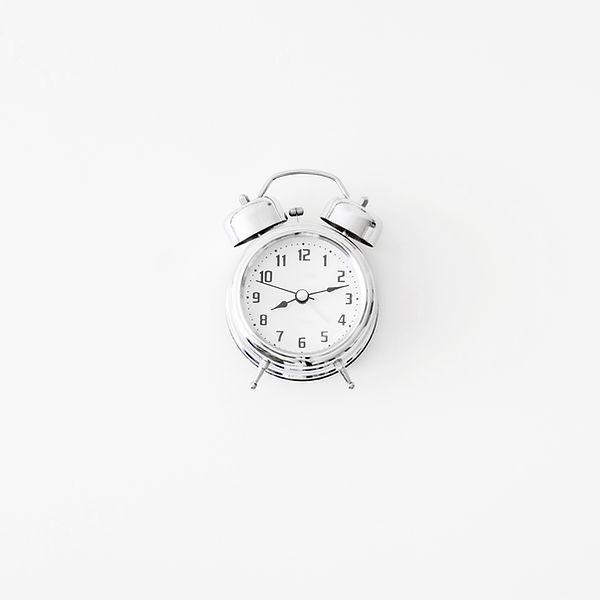 nice-mechanical-alarm-clock.jpg