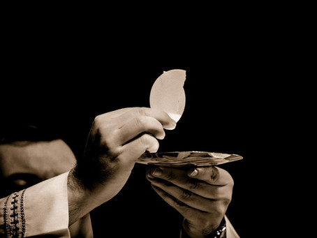 4 Reasons The Eucharist Is Insane