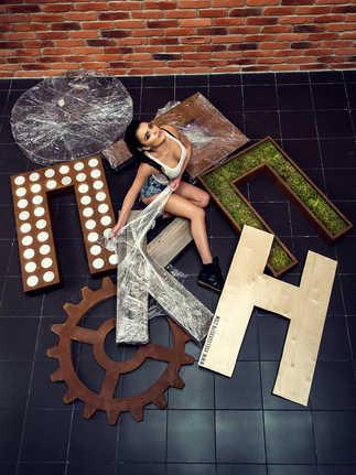 календарь кинотеатр пик девушка стройка