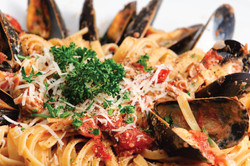 HOME BANNER-Linguini w Mussels-1-01