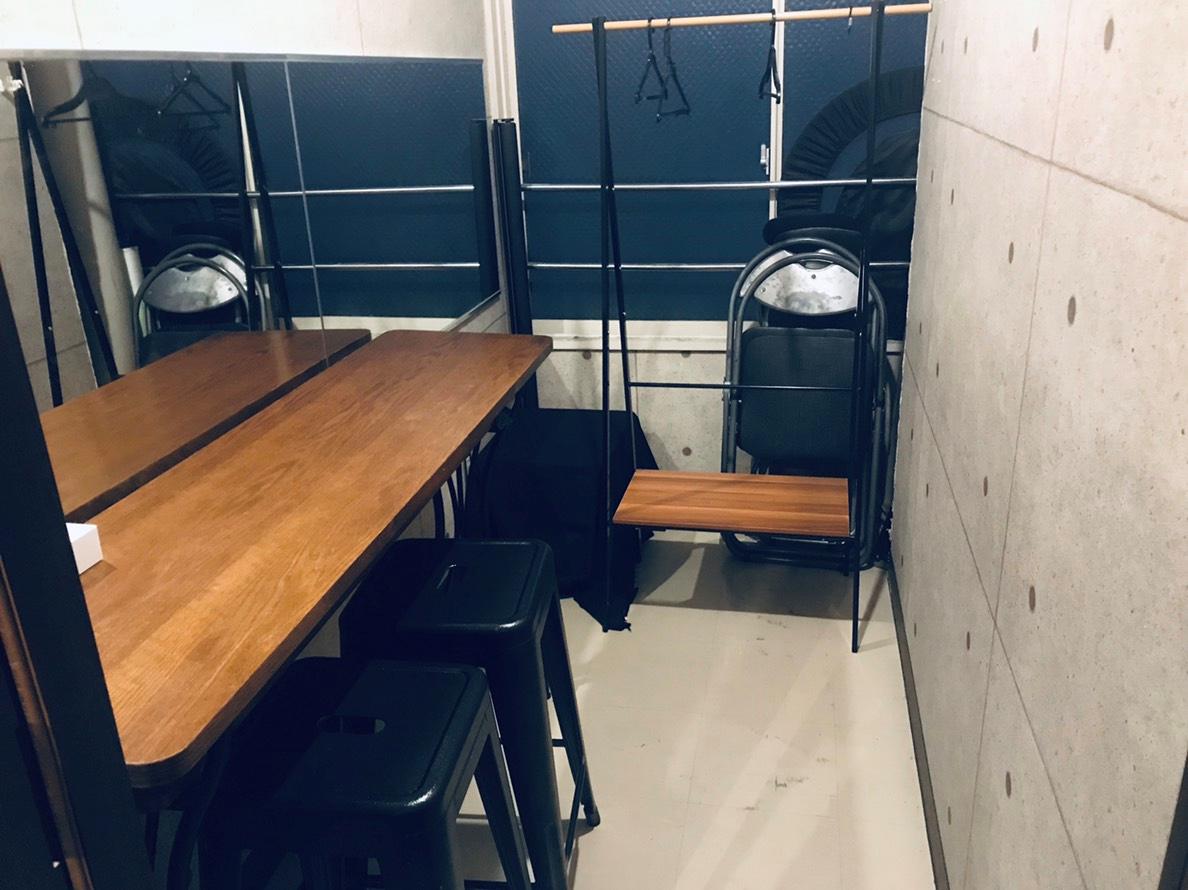 更衣室(中).png
