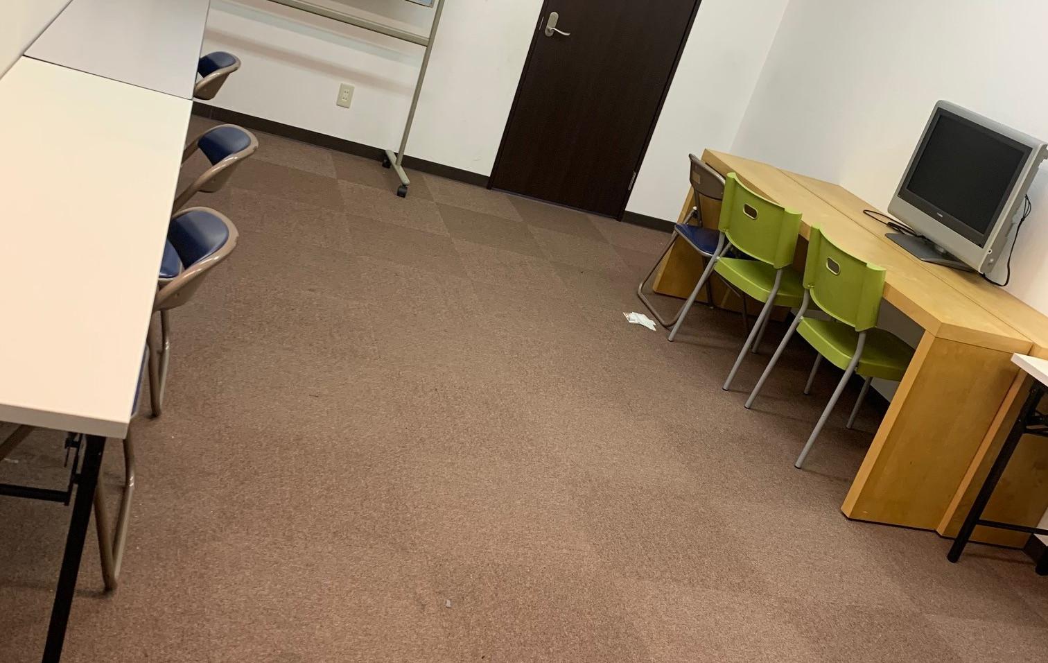 会議室写真.jpg