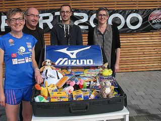 Andrée MARET, la GazelleBreizh, adhérente du Redek, chausse ses baskets pour offrir du matériel scol