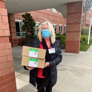 100 Masks Delivered to Long Island Community Center