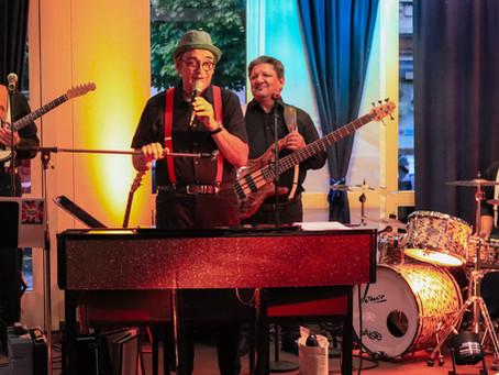 Gala-Dîner mit Live-Musik im City-Hotel, Brunnen