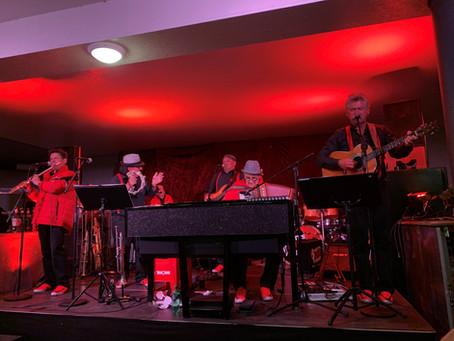 Schiltä9i Fäscht mit Live Band in Brunnen