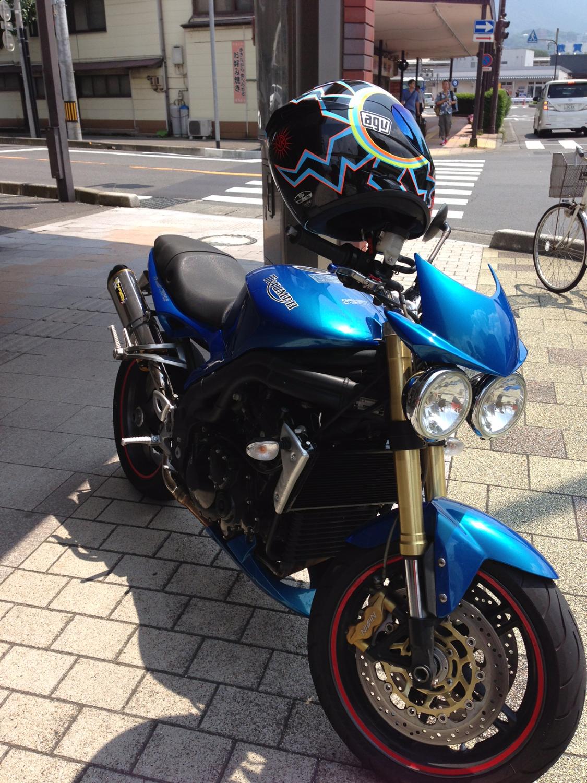 TRIUMPH イギリスのバイクだそうです