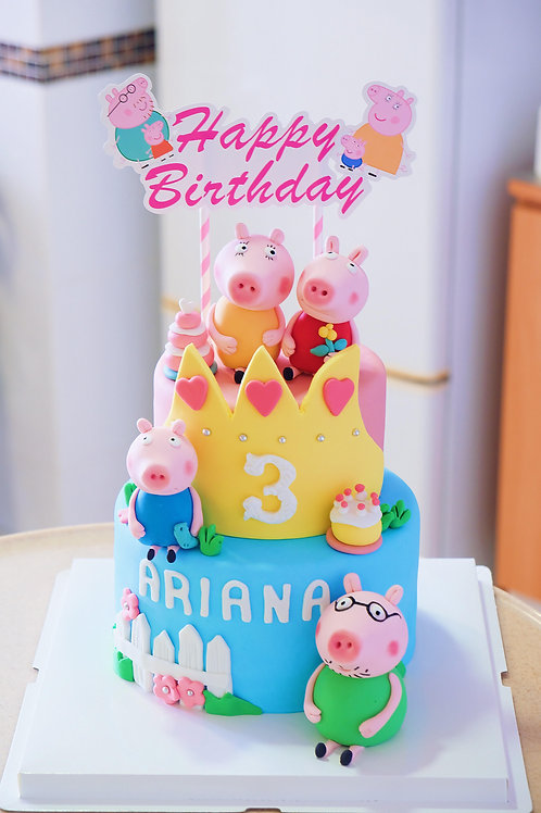 Peppa Pig Family Fondant Cake