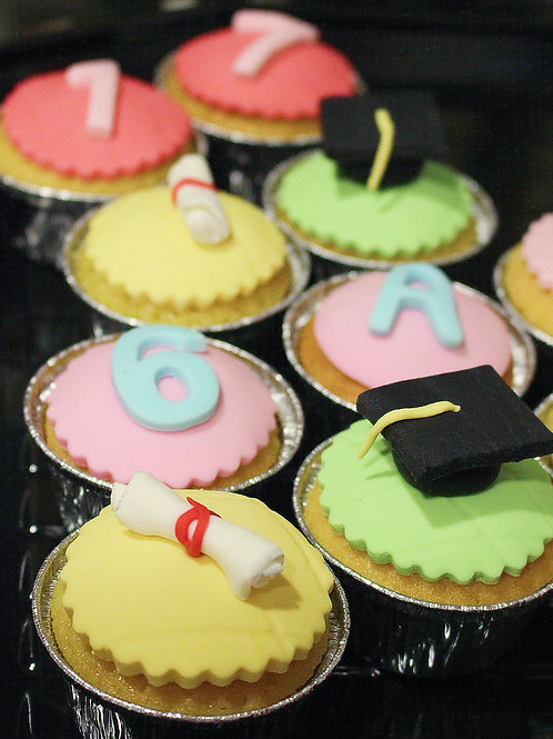 Graduation Fondant Cupcakes
