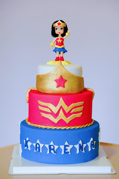 Wonder Woman Fondant Cake