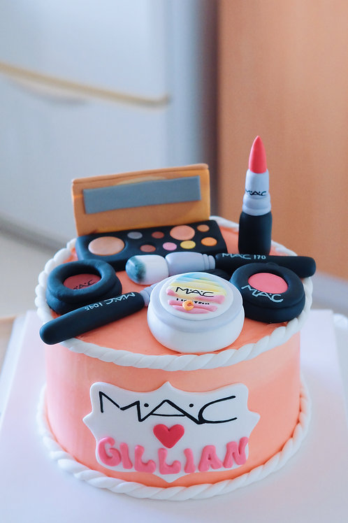Mac Love Buttercream Cake