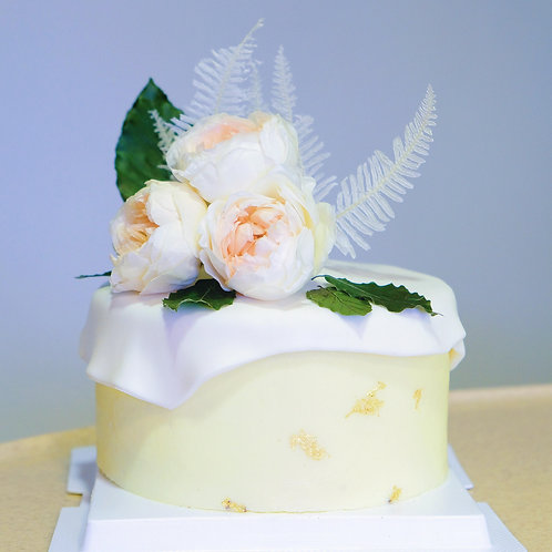 The White Floral - Buttercream Cake
