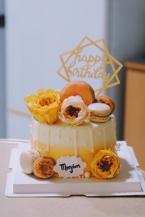 Orange Floral Macaroons Cake