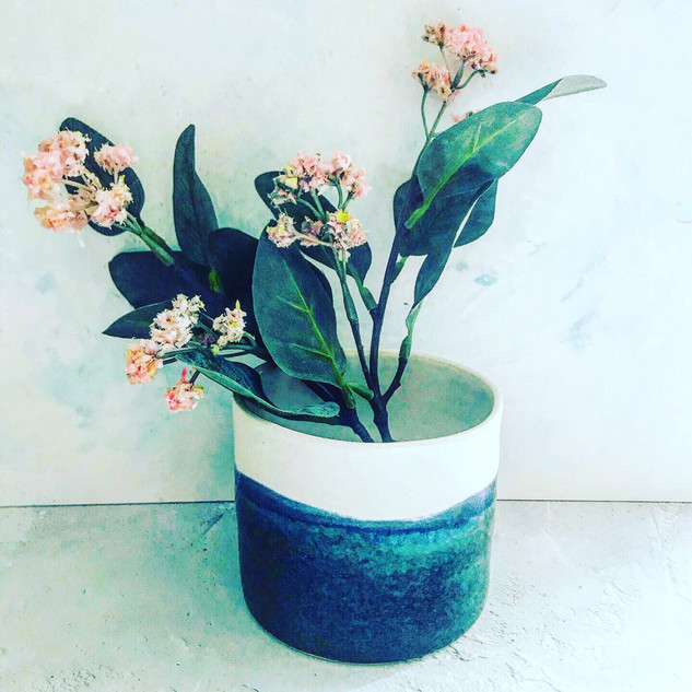 Small Blue & White pot £14