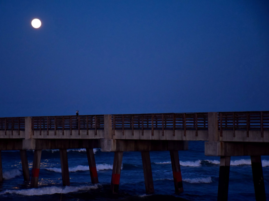 Full Moon Over Pier 12190.jpg