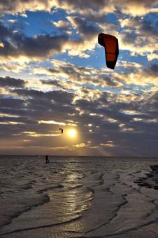 Kite Surfer on Tampa Bay 12168.jpg