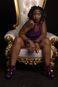 Jaiye Empress on her throne (Photo captured by Ashleen Senexant of Scope Media)