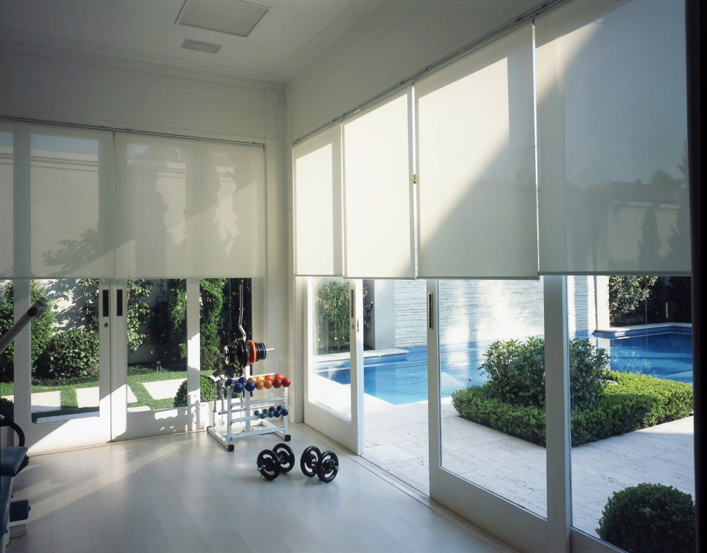 CORTINA ROLLER SCREEN 10%