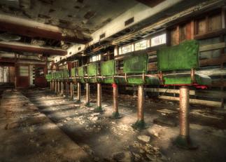 Of Barkeeps Past_ - Grossingers Abandone