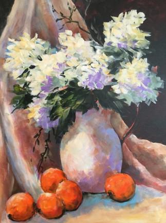 White Hydrangea in Vase (K32)