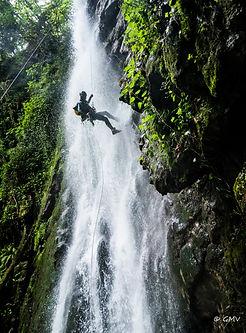 Canyoning Grenoble avec In Canyon We Trust dans le canyon des Ecouges dans le massif du Vercors