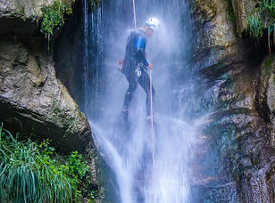 Canyoning Grenoble avec In Canyon We Trust en stage Mercantour Perf à Isola