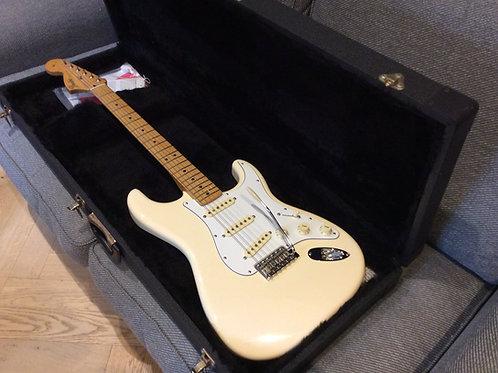 Fender Jimi Hendrix 2015 Sratocaster