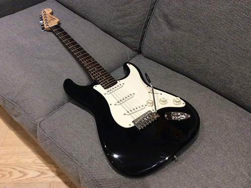 Squier Stratocaster 1998 Full Size Body Great Pickups