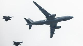 "Airbus A300 MRTT ""Phoenix"" / Mirages 2000"