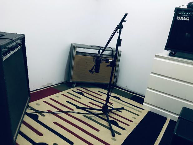 Amp- Room