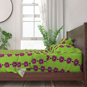 8448355-purple-poppy-black-dots-by-poppy