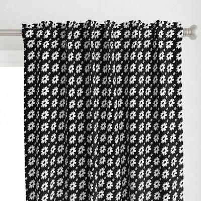 8943935-daisy-love-black-by-poppy_pod (4