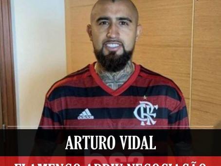 Jornal italiano aponta que Flamengo iniciou negociação para contratar Arturo Vidal