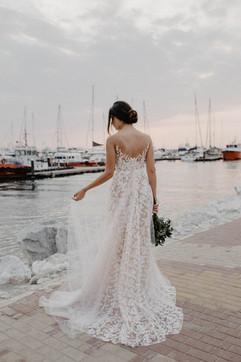 vestidos-de-novia-sencillos-modernos-49.