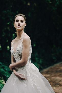 vestidos-de-novia-sencillos-modernos-35.