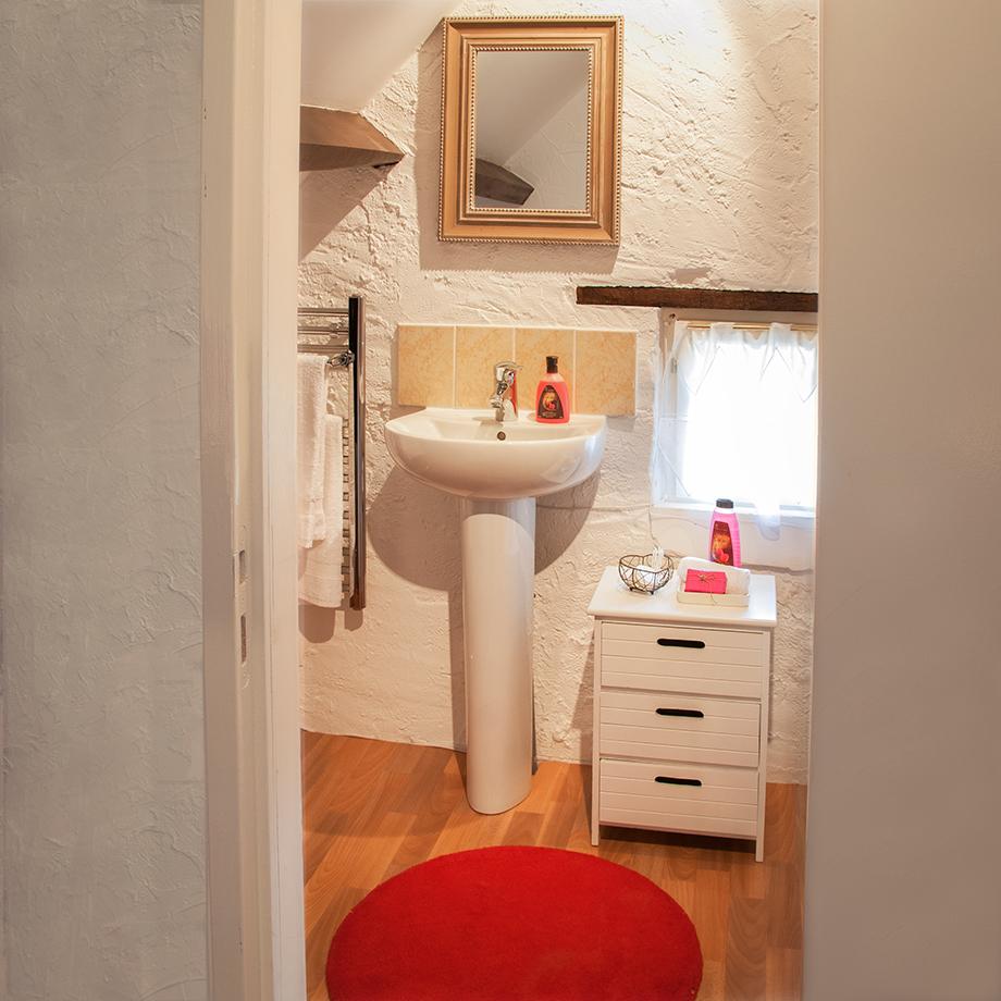 Winestore-Bathroom.jpg