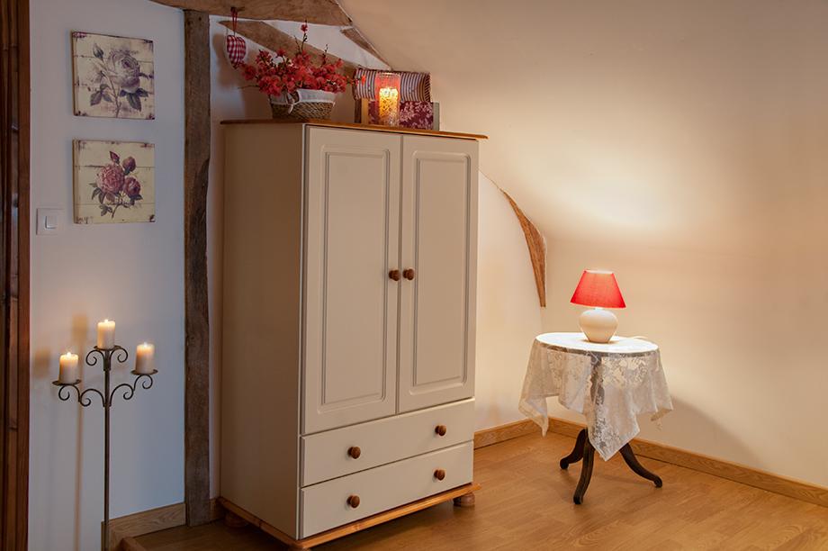 Cottage-Main-Bedroom-2.jpg